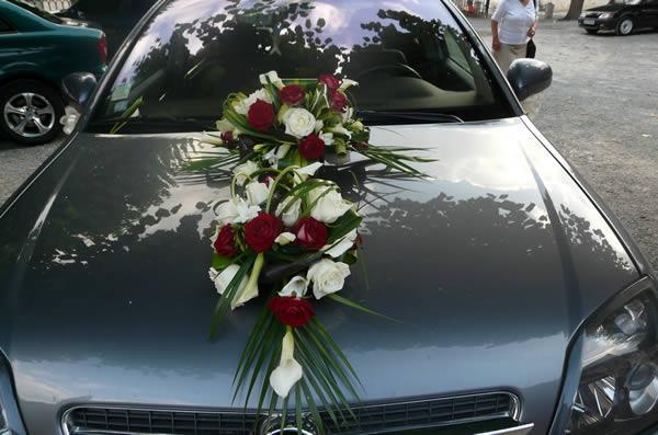 voiture-mariage-fleurs