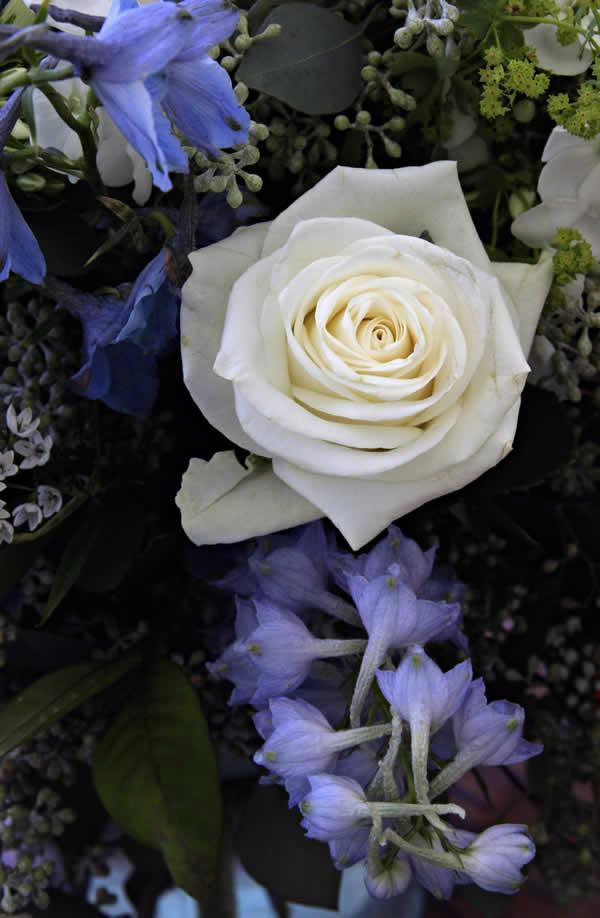 bouquet-mariee-fleurs-bleues