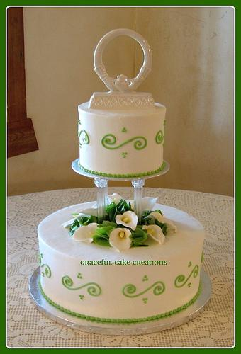gateau-mariage-vert-blanc-flickr-gracefulcakecreations