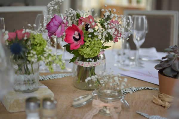 Mariage fleurs des champs - Decoration florale mariage centre de table ...