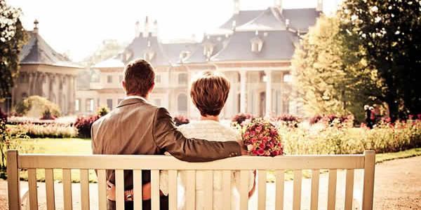 Vous vous aimez et vous pensez que Dieu n'est pas étranger à cet amour. Vous décidez donc de sacraliser votre union en vous mariant à l'Eglise. On vous parle souvent […]