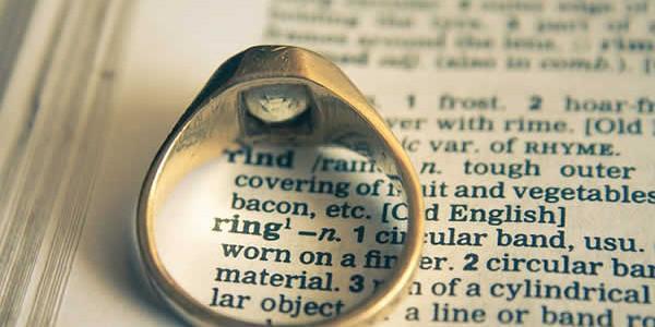 Les fiançailles permettent aux amoureux de concrétiser leurs amours en prévision d'un mariage plus ou moins proche. Ils annoncent par la même à leur entourage qu'ils s'engagent dans un chemin […]