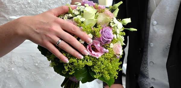 bouquet mariage alliance manucure