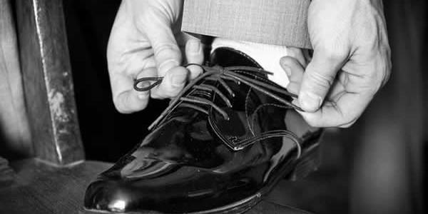 Quel ennui pour la plupart des hommes que de faire les boutiques pour trouver chaussure à son pied. Et quelles chaussures ! Pour votre mariage, votre attention devra être absolue […]