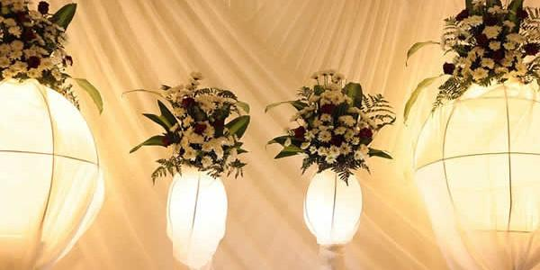 Le blanc est toujours présent dans le mariage, la robe de la mariée est traditionnellement de cette couleur, les fleurs sont blanches, même l'aube du prêtre ! Tout cela pour […]
